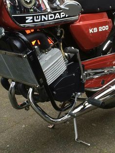 Motorcycle Manufacturers, Old Bikes, Cafe Racer, Classic Bikes, Custom Bikes, Cars And Motorcycles, Motorbikes, Yamaha, Diecast