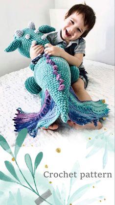 Crochet Dragon Pattern, Crochet Animal Patterns, Crochet Patterns Amigurumi, Crochet Animals, Crochet Dolls, Crochet For Kids, Crochet Ideas, Doll Tutorial, Cute Toys