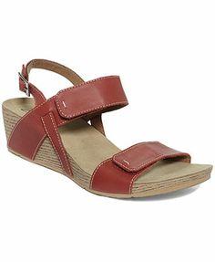 Clarks Women's Alto Disco Wedge Sandals