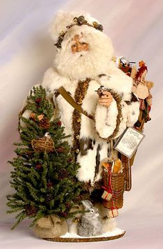 Colorado high country Santa and I have a white one to do this with too! Merry Christmas To All, Father Christmas, Country Christmas, Vintage Christmas, Christmas Holidays, Christmas Crafts, Christmas Ornaments, Christmas Christmas, Primitive Santa