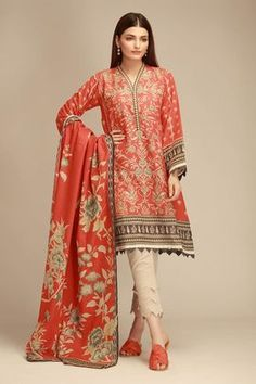 Khaadi Winter Collection 2018 features Unstitched, Stitched Khaddar Embroidery, Printed, Casual, Semi Formal and Formal Pakistani Dresses Online Simple Pakistani Dresses, Pakistani Dresses Online, Pakistani Fashion Casual, Indian Gowns Dresses, Pakistani Dress Design, Pakistani Outfits, Kurti Neck Designs, Kurta Designs Women, Robe Anarkali