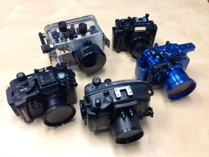 Complete underwater housing guide for the Sony IV, including Acquapazza, Fantasea, Ikelite, Nauticam and Recsea. Binoculars, Sony