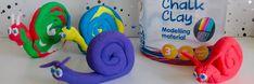 Creall Chalk Clay - Slakjes kleien van stoepkrijt klei #creall #chalk #clay #slakjes #kleien #stoepkrijt #knutselen #knutselenmetkinderen #creatief #creatiefbezigzijn #tips #ideeen #maken #doen White Out Tape, Dutch, Tips, Dutch Language, Counseling