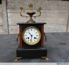 Horloge, pendule de cheminée en marbre et bronze