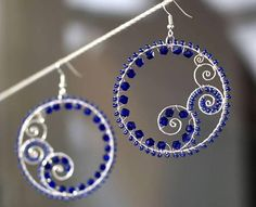Wrapping beads onto wire to make amazing earrings. Class offered by Beads & Beyond in  Durango, CO!!!