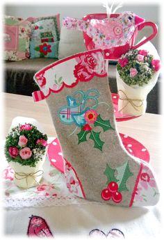 Der Stickbär | Designs und Inspiration Jolly Holly - Machine embroidery designs