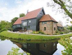 Large Holiday Cottages sleeping 8+ people | Historic UK