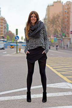 trendy_taste-street_style-look-outfit-black_skirt-falda_pantalon-zara-scarf-foulard-leo_print-leopard_print-estampado_leopardo-jersey_leopardo-leo_sweater-sudadera-black_booties-botines_negros-2 by Trendy Taste, via Flickr