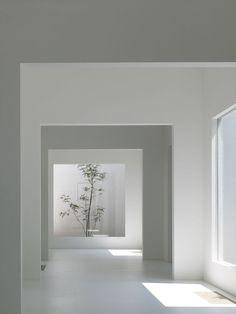 Located in Shibukawa, Japan, Chiyodanomori Dental Clinic by Hironaka Ogawa. This… Located in Shibukawa, Japan, Chiyodanomori Dental Clinic by Hironaka Ogawa. This is a dental clinic. Architecture Design, Minimalist Architecture, Minimalist Interior, Minimalist Home, Contemporary Architecture, Minimalist Design, Minimalist Fashion, Clinic Interior Design, Clinic Design