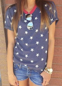 Stars Tee @Dianne Dequino look ah, stars tee and it's neat looking for a stars tee :)