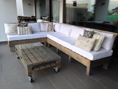 Wooden Pallet Deck Furniture | Pallet Furniture DIY