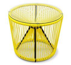 Cette table basse de jardin fil jaune Rio apporte une touche d originalité  à votre fd299de76020