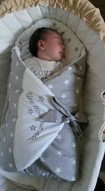 Diy Crafts - Baby Sam is so adorable in his Plushy Paws Nap Mat! What an gorgeous little man! Quilt Baby, Baby Quilt Patterns, Sevira Kids, Kangaroo Baby, Baby Deco, Baby Boy Pictures, Baby Buggy, Baby Bedding Sets, Baby Kind