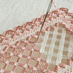 かがり目?が不均一…糸の引き具合が難しいです… #刺繍 #embroidery #ハーダンガー刺繍 #hardangerembroidery #dmc #dmcthreads #dmcembroidery