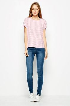 Shop the latest in British styles for Men and Women. Established in Salcombe, Devon, England - the home of Jack Wills. Jack Wills, British Style, Skinny Jeans, Mens Fashion, Tees, Pants, Shopping, Women, Moda Masculina