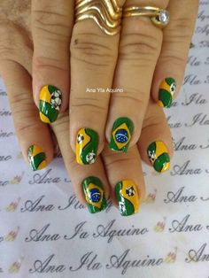 36 Ideias de Unhas Decoradas para a Copa do Grupo Manicures, Brazil, Black Flowers, Luxury Nails, Bridal Nails, Nail Colors, Nice Nails, Group, Hilarious