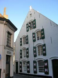 Traditional Flemish house, Lier (© Eupedia.com)