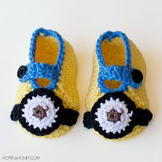 letsjustgethooking : FREE PATTERN  Minion Inspired Baby Booties  DISCL...