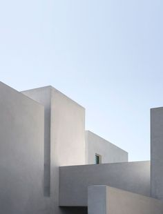 Geometric Encounters is a beautiful photographic architecture series by minh t., an art director and photographer based in california. Minimal Architecture, Architecture Sketchbook, Concept Architecture, Sustainable Architecture, Beautiful Architecture, Interior Architecture, Architecture Geometric, Victorian Architecture, Residential Architecture