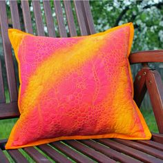 Jana Dohnalová: Free-motion quilting - pillow, hand-dyed fabric, envelope cushion