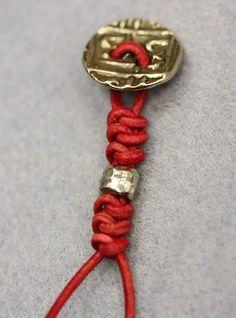 "Beading the ""Bead World"" Way: Spanish Knot Bracelet Tutorial ✭Teresa Restegui http://www.pinterest.com/teretegui/ ✭"