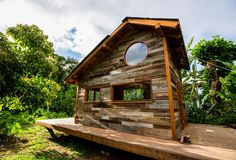 17 Amazing Cabins To Cozy Up In This Winter