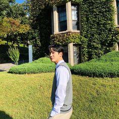 Manisnya Bromance Lee Jae Wook dan Rowoon di Drama Extraordinary You Korean Celebrities, Korean Actors, Kim Ro Woon, Kdrama Actors, K Idol, Drama Movies, Boyfriend Material, Aesthetic Pictures, Korean Drama