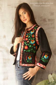 Batik Amarillis's folklore 2014 vol 2 splendid black velvet Hungarian embrodery… Indie Fashion, Love Fashion, Womens Fashion, Amarillis, Cute Jackets, Embroidered Jacket, Couture, Black Velvet, Coats For Women