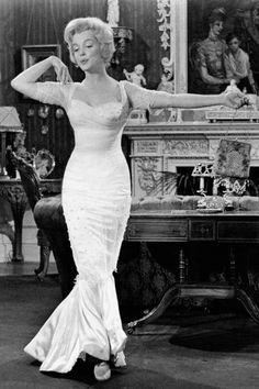 43 Most Glamorous Photos of Marilyn Monroe 7678280d751