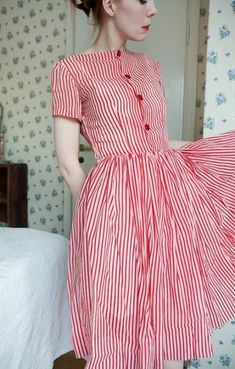 cute cute outfit green, navy + white striped candy dress by silversaga on Etsy This is perfect for fall Pretty Outfits, Pretty Dresses, Beautiful Dresses, Cute Outfits, Casual Outfits, Vintage Outfits, Vintage Dresses, Vintage Fashion, 1950s Style Dresses