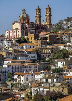 Travel Inspiration for Mexico - Santa Prisca Cathedral, Taxco, Mexico.
