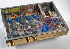 Inside a high quality, handmade vacuum tube amplifier - the Jadis DA88S.