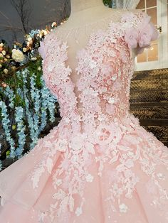 photo 4 The post lace flowers are seen through the back zipper of luxury always evening dresses beautiful dresses of longo dress of festa abiye appeared first on Garden ideas - Wedding Gown Sweet 16 Dresses, 15 Dresses, Ball Dresses, Pretty Dresses, Bridal Dresses, Beautiful Dresses, Ball Gowns, Western Wedding Dresses, Colored Wedding Dresses