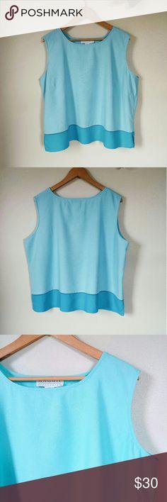 "* Sleeveless Plus Size Blue Linen Top -55% linen -45% rayon -24.5"" armpit to armpit -21.5"" long back collar to hem - Size 3X - One TINY snag Maggie McNaughton Tops Blouses"
