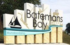 highway-signage-for-towns-australia Entrance Signage, Park Signage, Directional Signage, Outdoor Signage, La Sign, Monument Signs, Environmental Graphics, Signage Design, Fence