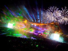 Fireworks @Summer Olsen Holton.  Music festival stage. Belgium. #tomorrowland #edm