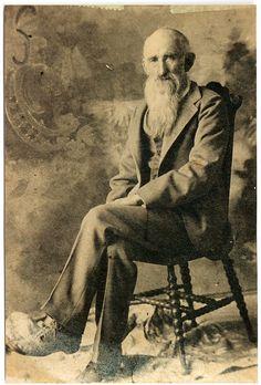 Civil War veteran John Denton, 1910.  He deserted both the Union and Confederate armies.