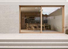 R-House by Tamizo Architects Interior Architecture, Interior And Exterior, Residential Architecture, Luigi Snozzi, Santa Cole, Tamizo Architects, Modern Family, Home And Family, Casa Cook
