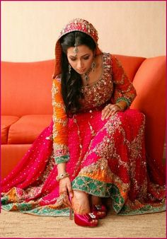 Mehndi Dresses 2015 For Stylish Girls, Pakistani brides like to wear Mehndi Dresses in multi shades and they also look more stylish and beautiful in them...