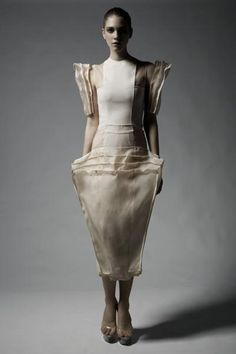 Sculptural Fashion - dress with exaggerated proportions for an angular silhouette // Beate Godager