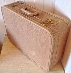Antiquité. Collection. Magnifique valise ancienne. Lévis Chaudière-Appalaches…