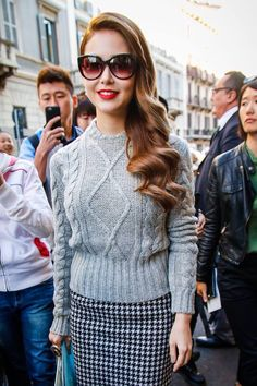 Hannah Quinlivan arrives at the Max Mara Spring 2016 show #MFW #昆凌