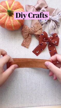 Cute Crafts, Fall Crafts, Holiday Crafts, Crafts To Make, Diy Crafts, Diy Ribbon, Ribbon Crafts, Ribbon Bows, Fabric Crafts