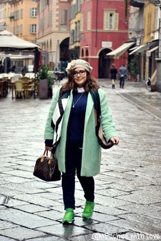 MFashion With Love: Un look sporty-chic e un cappotto verde menta || Curvy || Plus size || Outfit
