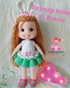 Image may contain: 1 person, text Crochet Doll Clothes, Knitted Dolls, Crochet Dolls, Amigurumi Toys, Crochet Patterns Amigurumi, Cute Crochet, Diy Toys, Stuffed Toys Patterns, Doll Patterns