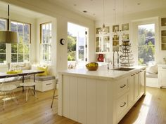 The Clean Look Of White Kitchens
