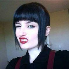 Skingirls & skinheads @skinheads_everywhere2 @alex_andrea_627...Instagram photo | Websta (Webstagram) Funky Hairstyles, Hairstyles Haircuts, Chelsea Cut, Skinhead Girl, Skin Head, Girls Cuts, Extreme Hair, Good Hair Day, Crazy Hair