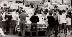"""Foi no dia 21 de outubro de 1966 que os astronautas Neil Armstrong (1930-2012) e Richard Gordon chegaram a São Paulo.  A visita fazia parte de uma turnê por 22 cidades da América Latina, idealizada pelo governo dos EUA, para """"compartilhar"""" seus feitos espaciais com as demais nações. Antes da capital paulista, a dupla esteve em Brasília (no dia 17 de outubro) e Rio de Janeiro (de 18 a 20)."""
