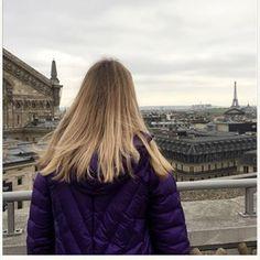 тот самый город из твоих сохраненок. тот самый город, произнося название которого, ты всегда пытаешься копировать французское «р'», а затем смеёшься и улыбаешься. тот самый город, который ты уже знаешь наизусть, хотя, возможно, никогда в нем и не была. тот самый город, который первым приходит тебе в голову при слове мода. тот самый город. познакомьтесь, Париж.