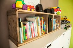I made this small set of Rustic Pallet Bookshelves because I was tired of seeing a messy pile of books. I wanted something fast and easy to build, and decided to use some pallets! So, I built this project in about 2 hours, and my kid loves having Wood Pallet Recycling, Wooden Pallet Projects, Wood Pallet Furniture, Pallet Crafts, Recycled Pallets, Wooden Pallets, 1001 Pallets, Recycled Crafts, Diy Projects